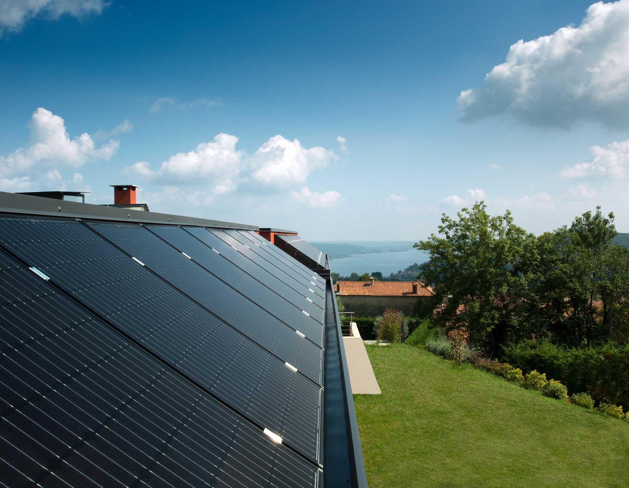 Full Black SolarWorld German Made Solar Panels by Perth Solar Warehouse